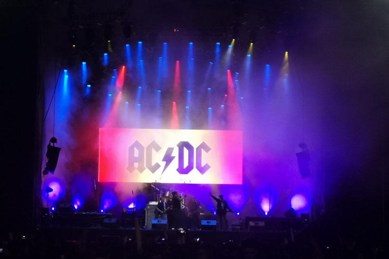 AC/DC tributo Deuce Mediterraneo sonido en Bolivia